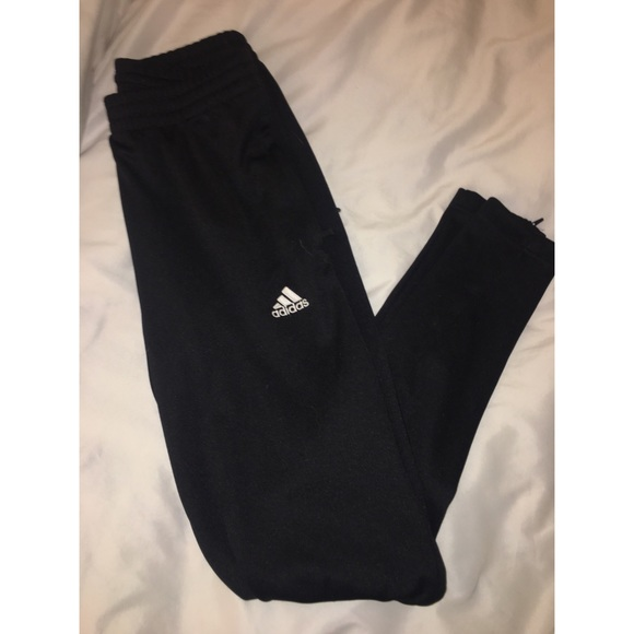 Adidas Pantaloni In Bianco Poshmark E Nero Taglia Xs Poshmark Bianco Sudore 36c1ea